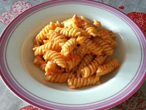 Pesto rosso peperone e ricotta