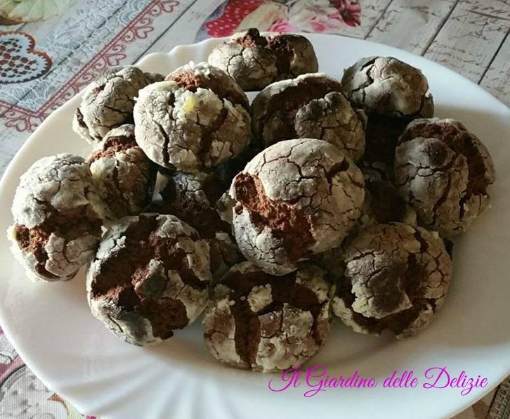Biscotti croccanti e friabili al fondente