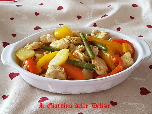 Insalata di petto di pollo con verdure
