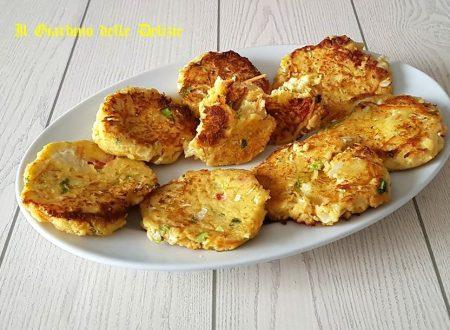 Frittelle d'insalata catalana e ricotta