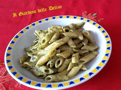 Pesto di prezzemolo olive e pinoli