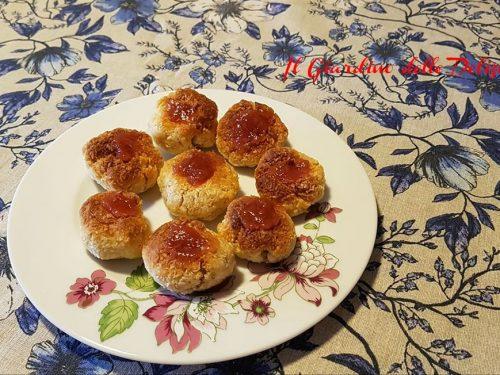 Biscotti al cocco semplici senza burro