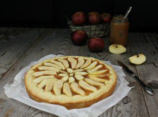 crostata di mele e confettura di mele