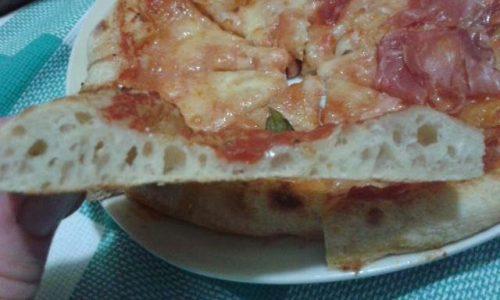 PIZZA CON LIEVITO MADRE CON PREIMPASTO A LUNGA LIEVITAZIONE