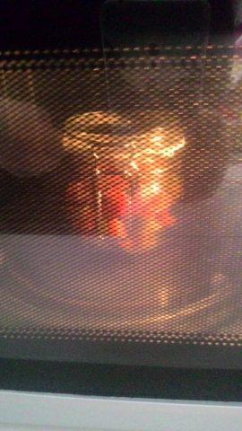 salsiccia e peperoni in vaso cottura al microonde