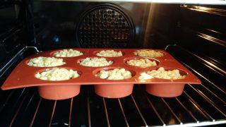 crostatine con crema e ciliegie