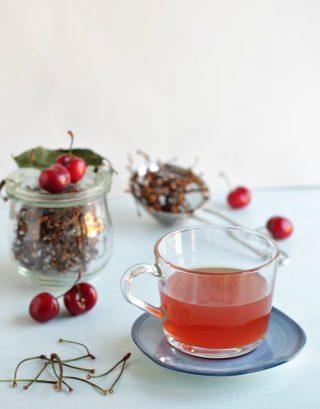 tisana drenante e diuretica di piccioli di ciliegie