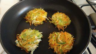 rosti di zucchine patate e carote