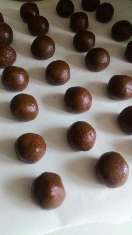 tartufini di panettone o pandoro alla nutella