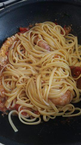 spaghetti agli scampi con pomodorini