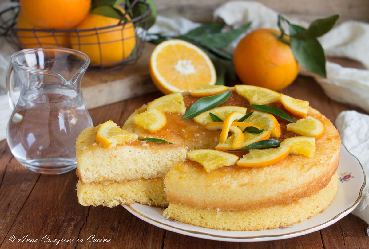 torta all'arancia con acqua calda