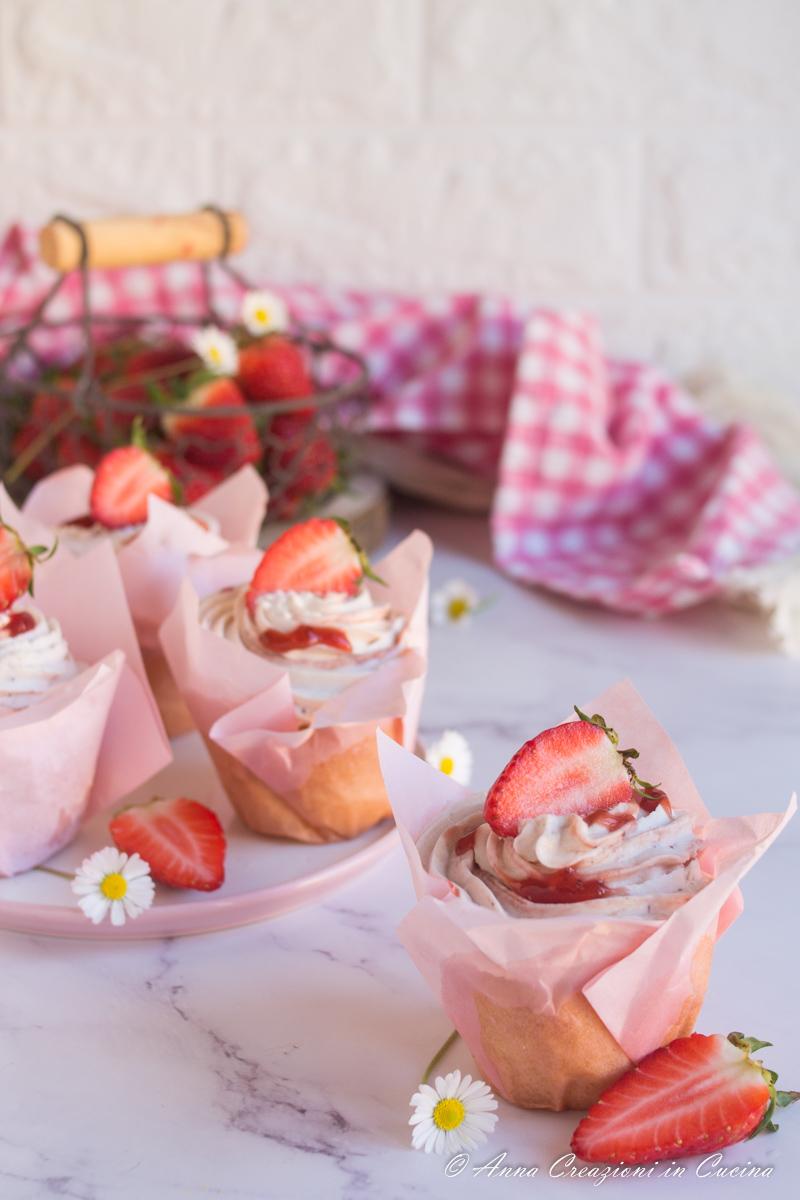 cupcake con confettura di fragole