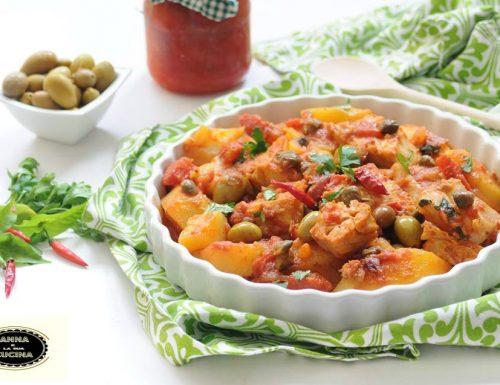 Pesce stocco con patate e pomodoro alla calabrese