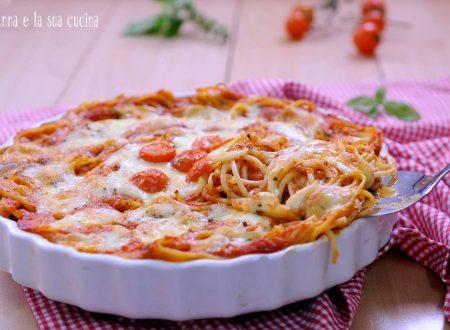 Spaghetti gusto pizza