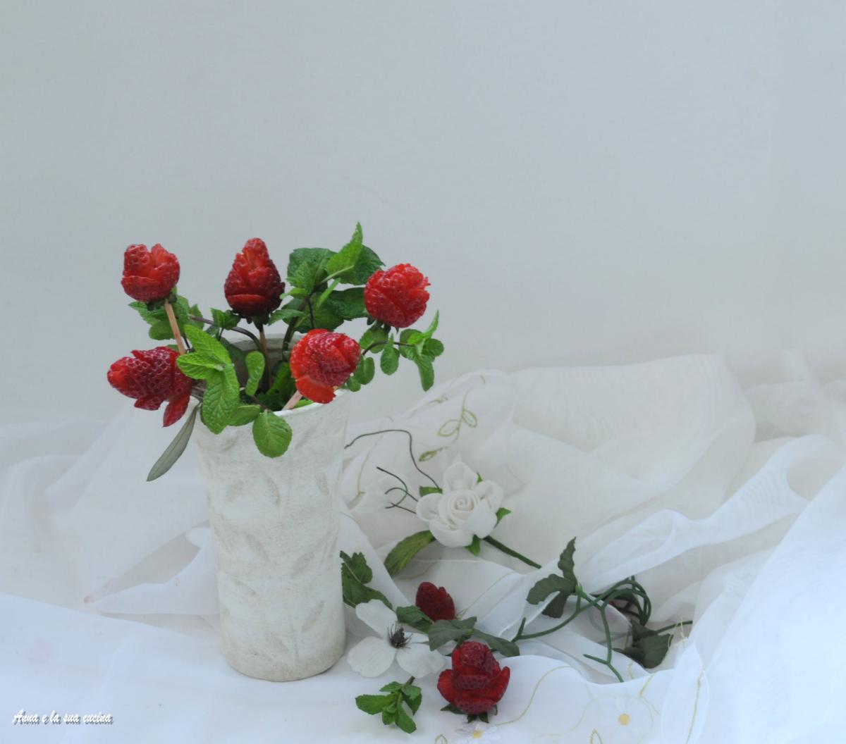 Composizioni Facili Di Frutta bouquet di rose di fragole / anna e la sua cucina