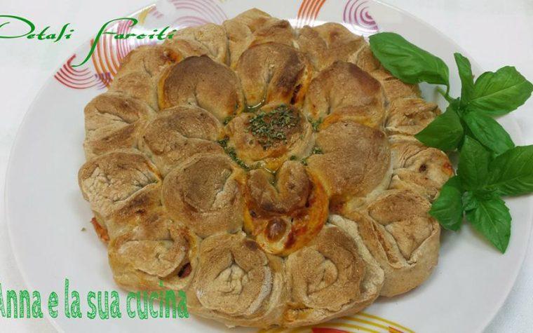Petali di pizza farciti