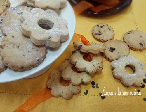 Biscotti croccanti con cioccolato