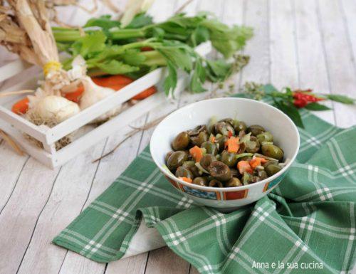 Olive verdi condite alla calabrese