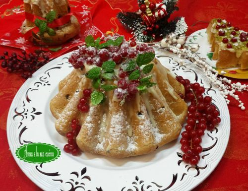 Dolci natalizi con glassa bianca e ribes