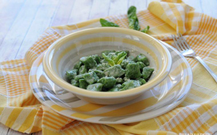 Gnocchi senza patate con farina e spinaci