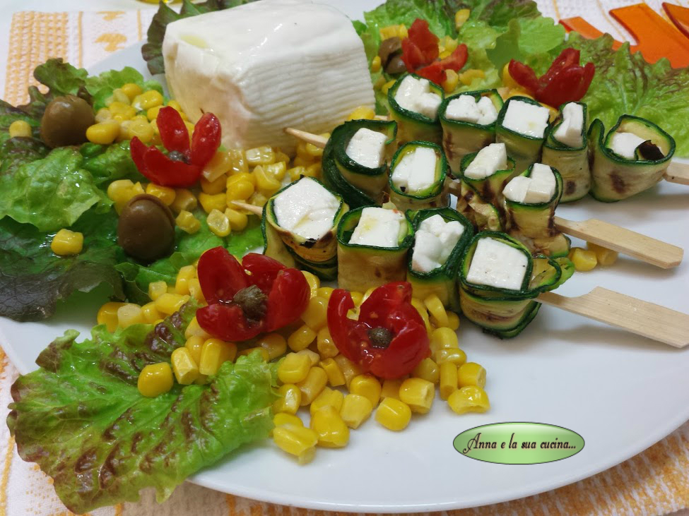 Insalata primaverile con verdure e stracchino