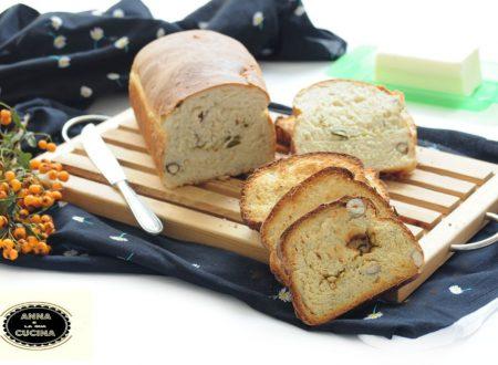 Pane con nocciole e pistacchi