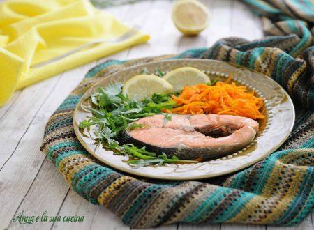 Salmone cotto a vapore con verdure