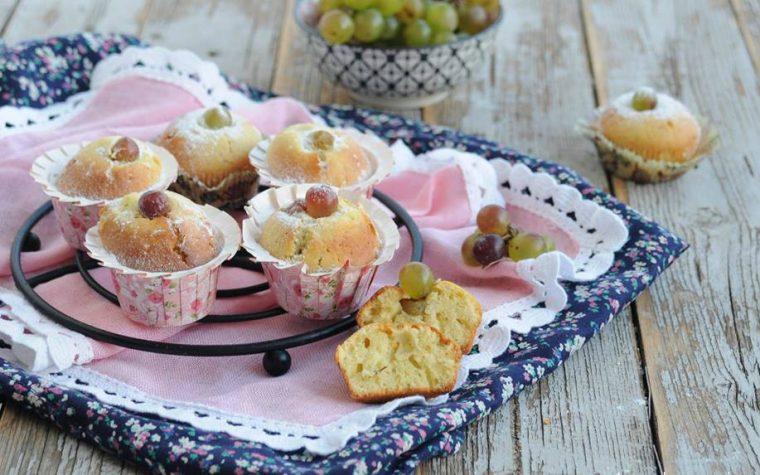 Muffin con uva mista frullata
