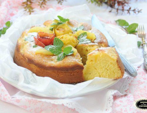 Torta di mele con yogurt e panna