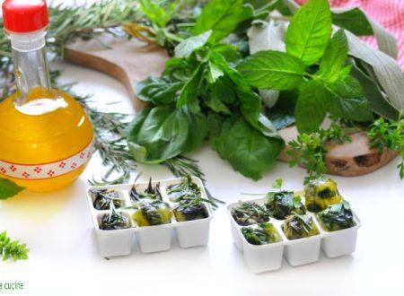Cubetti di erbe aromatiche congelati con olio