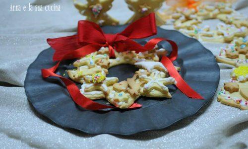 Ghirlanda di biscotti natalizi