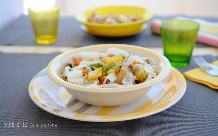 Pasta integrale con verdure croccanti