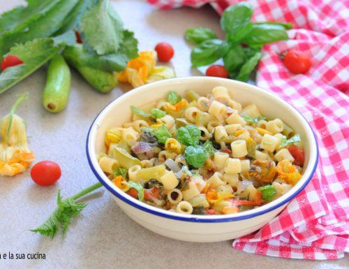 Pasta con i tenerumi o taddi di zucchina