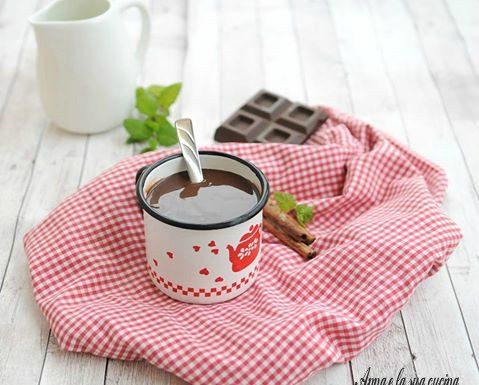 Cioccolata calda con cioccolato fondente
