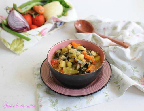Minestrone ricco e saporito con verdure invernali