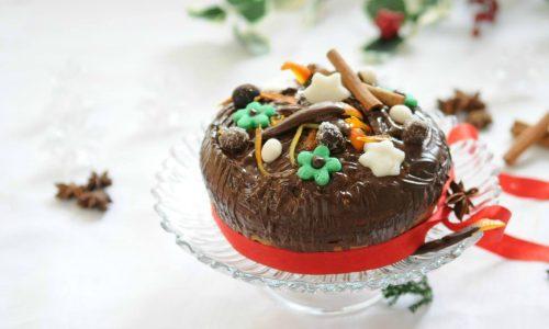 Torta all'arancia con cioccolato e cannella