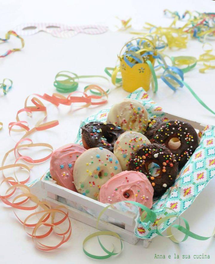 Ciambelle di carnevale ricoperti di cioccolato
