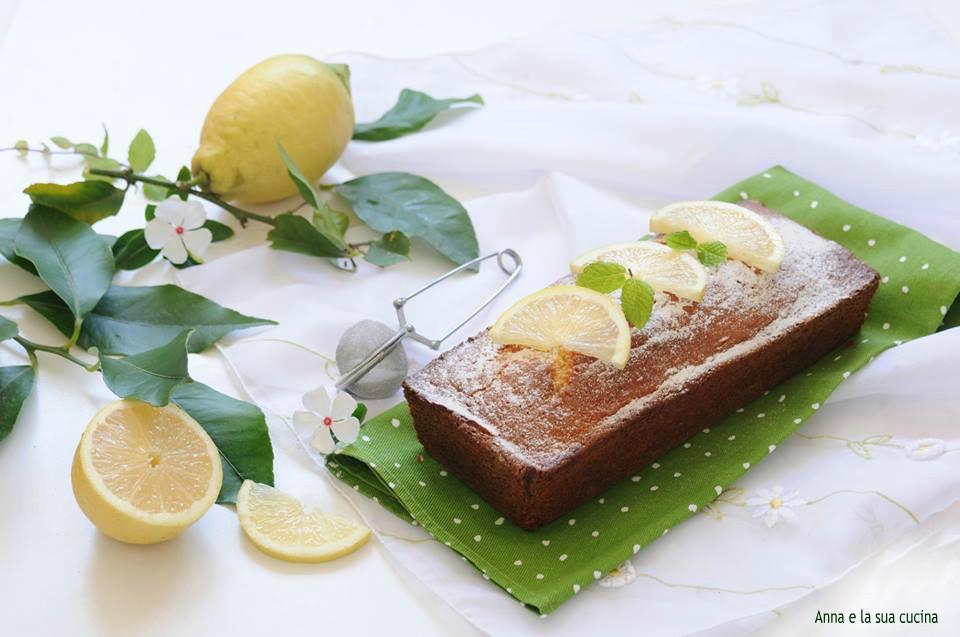 Plumcake con yogurt profumato al limone