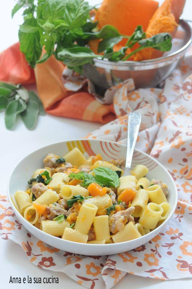 Pasta con Salsiccia Zucca e Spinaci