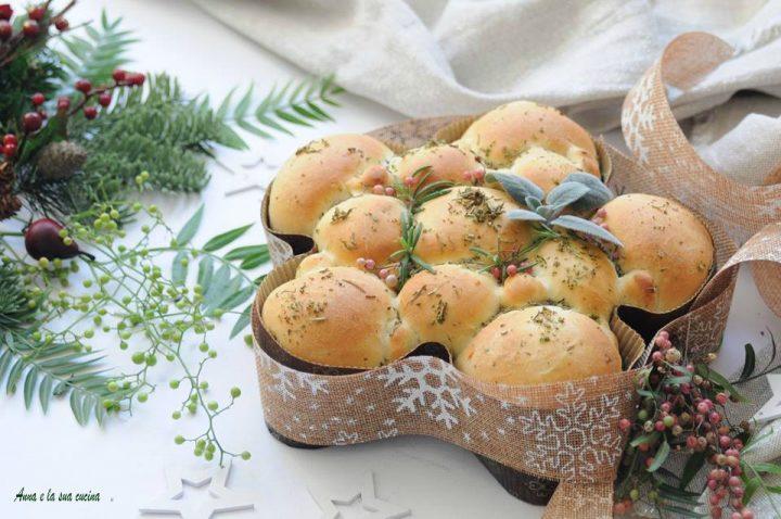 Stella di pane natalizia alle erbe