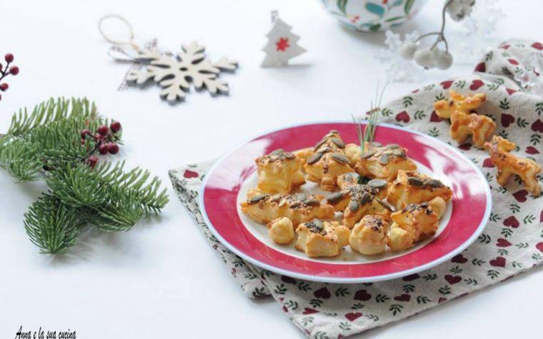 Stuzzichini natalizi di pasta sfoglia
