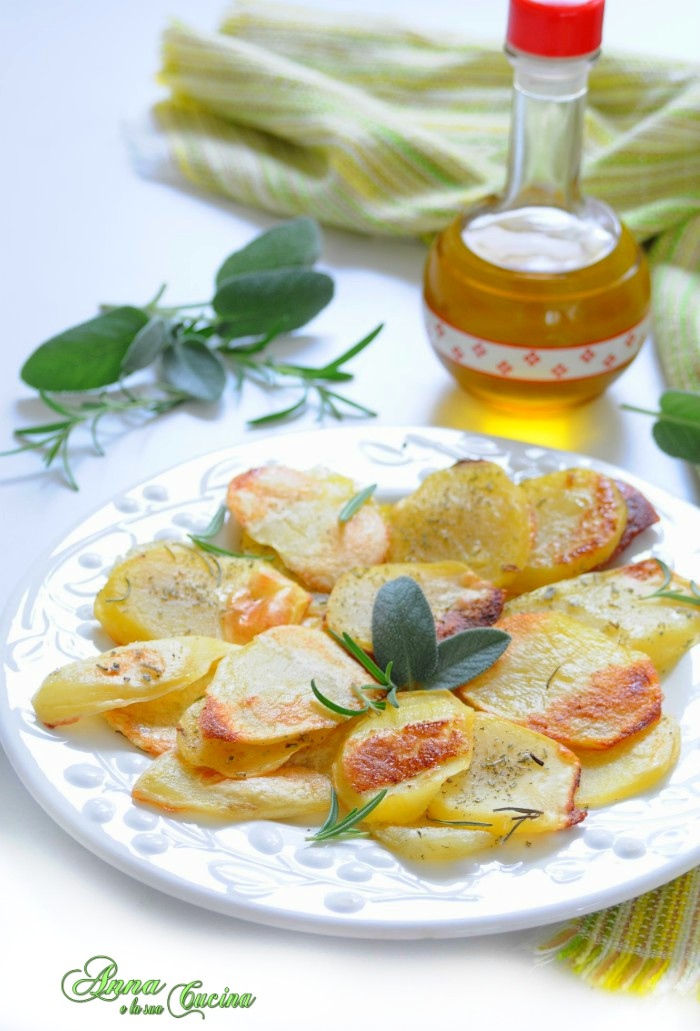 Patate affettate croccanti al forno