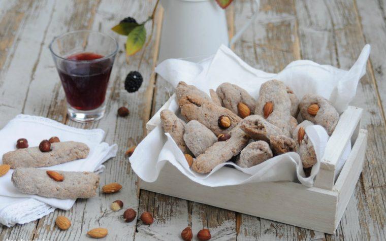 Biscotti mandorlati al vino rosso