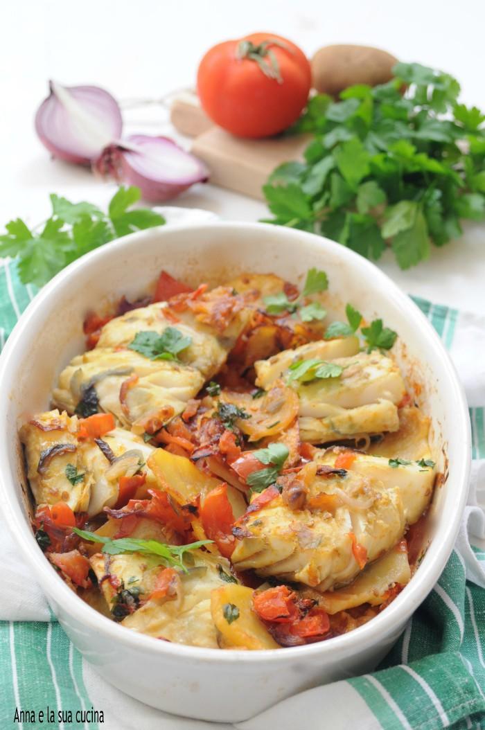Baccalà al forno con patate e pomodoro