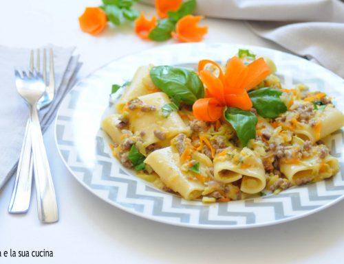 Paccheri con carne tritata e verdure