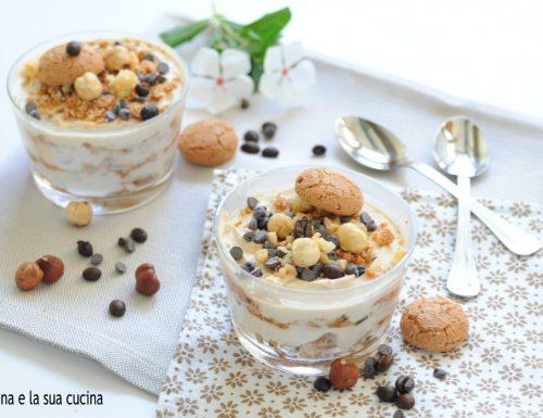 Coppa veloce al caffè con mascarpone e yogurt