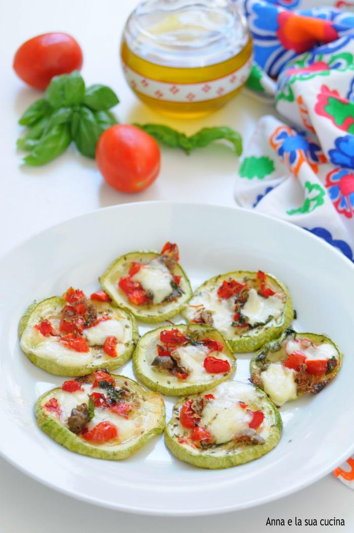 Fette di zucchina al forno alla pizzaiola