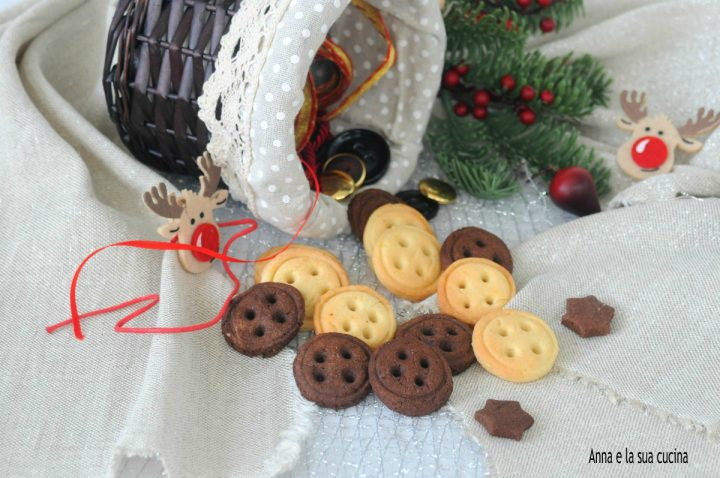 Biscotti bottoni bianchi e neri