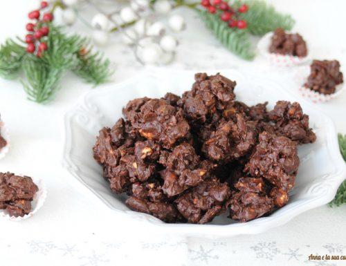 Cioccolatini croccanti con frutta secca