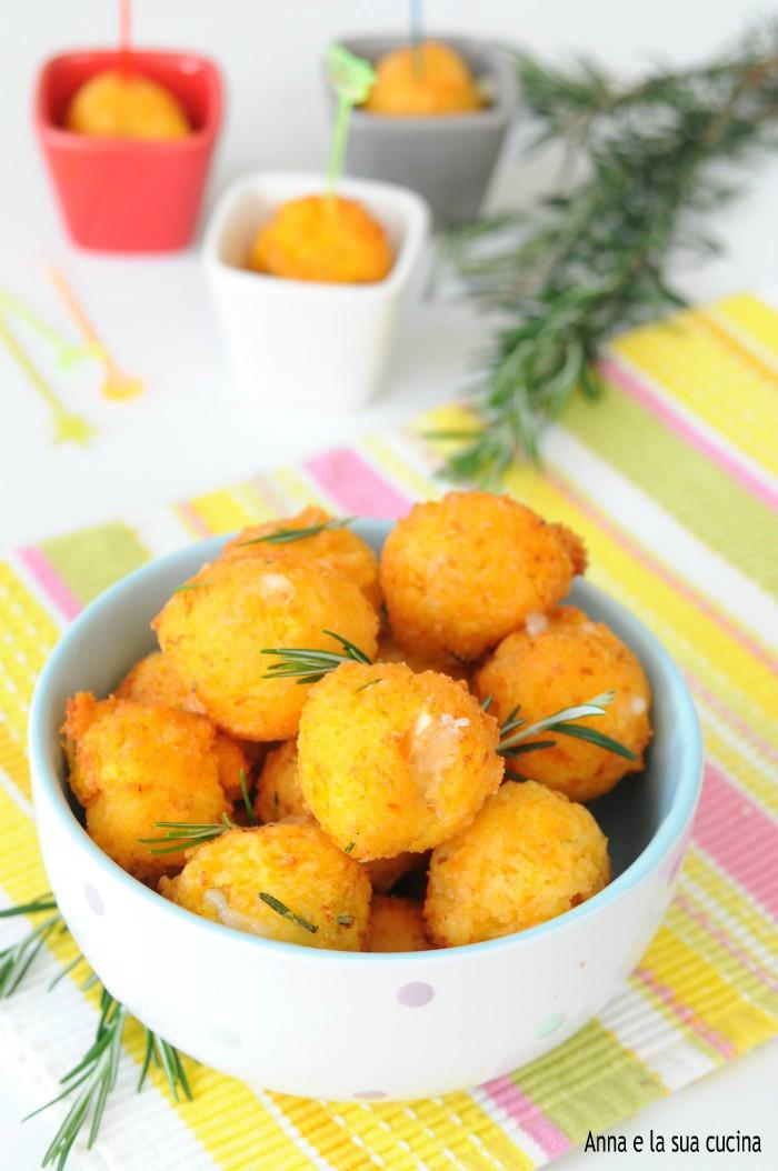 Frittelle salate con zucca e brie